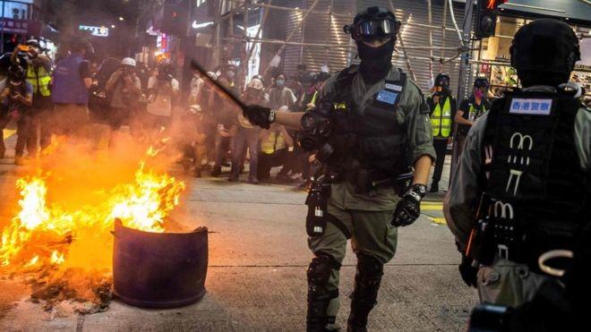 O que significa que Washington deixe de considerar Hong Kong 'politicamente autônoma'