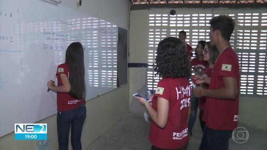Alunos de escola pública lutam para disputar torneio internacional de matemática nos EUA