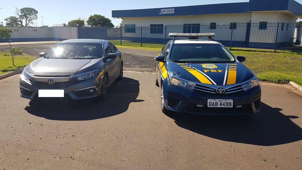 -  Carro apreendido pela PRF na BR-163  Foto: Osvaldo Nóbrega/TV Morena