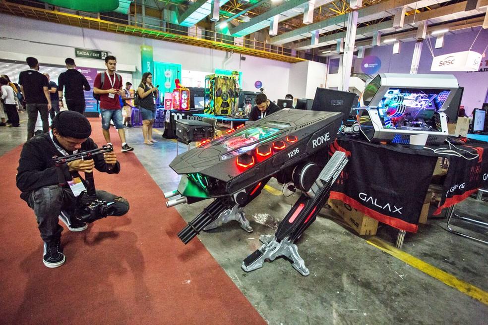 Computadores 'tunados' chamam atenção na Campus Party 2019 — Foto: Fábio Tito/G1
