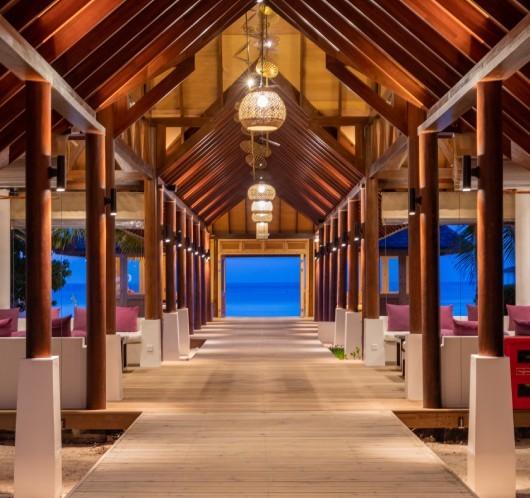 Yasmin Brunet e Gabriel Medina curtem Ilhas Maldivas em hotel com diária de R$ 11 mil (Foto: Divulgação)