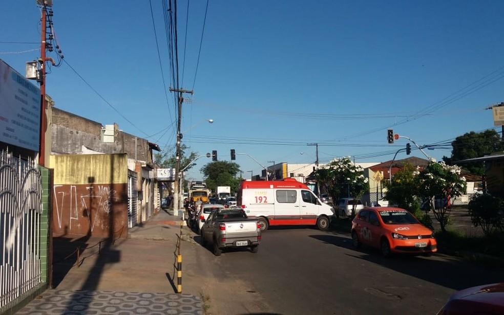 Acidente na Avenida Maranhão, em Aracaju — Foto: Guilherme Menezes