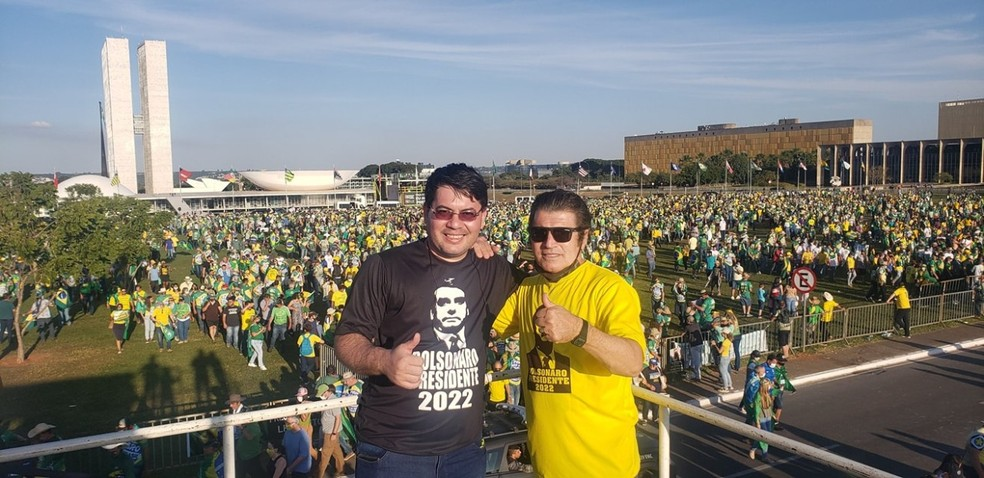 Elias Galli, de 33 anos, filho do ex-deputado federal Victório Galli (Patriota), foi internado com Covid-19 duas semanas após participar de ato pró-Bolsonaro em Brasília — Foto: Facebook