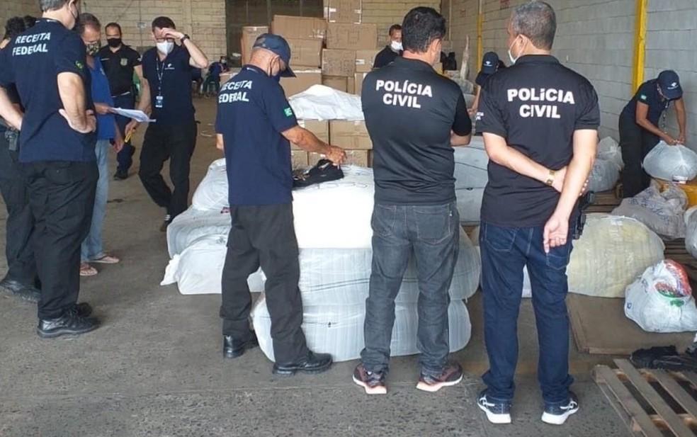 Mercadorias falsificadas são apreendidas em depósito de transportadora em Salvador — Foto: Divulgação/Receita Federal
