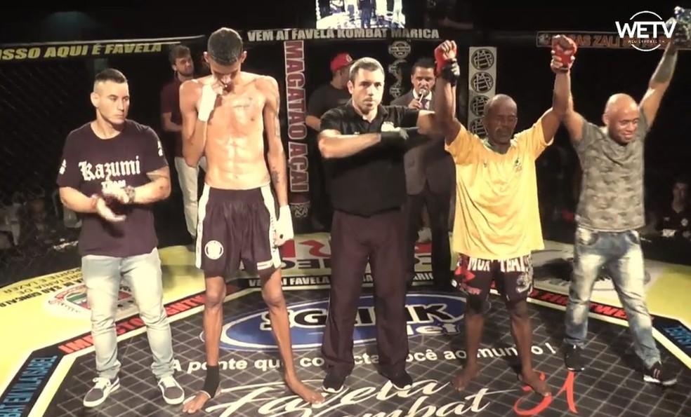 Celso Mão de Pedra é declarado vencedor contra Sávio Vinícius no Favela Kombat 31 — Foto: Reprodução / Facebook
