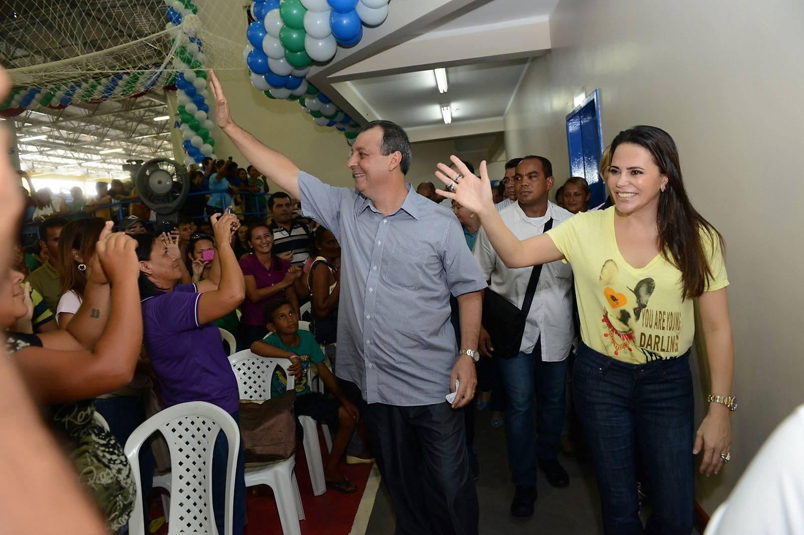Após prisão de esposa e irmãos, senador Omar Aziz presta depoimento à Polícia Federal em Manaus - Notícias - Plantão Diário