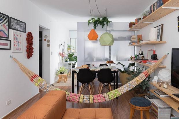 Apartamento pequeno com décor jovem e soluções inteligentes  (Foto: Cris Farhat)