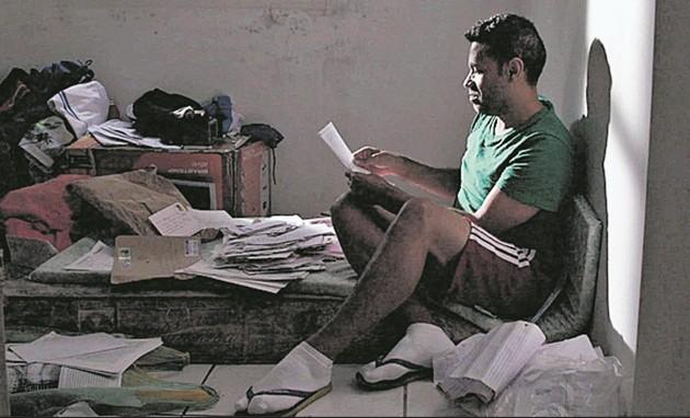Laéssio Rodrigues de Oliveira é o personagem do documentário 'Cartas para um ladrão de livros' (Foto: Divulgação)