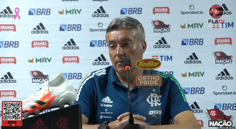 Dome concede entrevista após vitória sobre o Athletico — Foto: Reprodução Fla TV