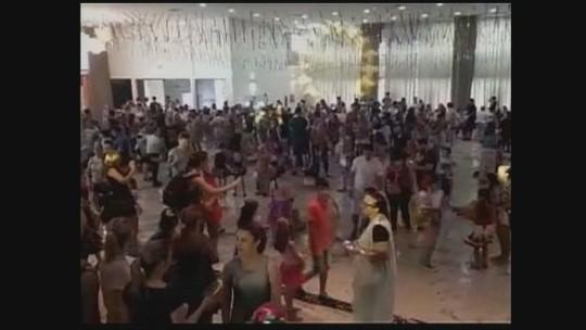 Futebol + samba! Com presença de atletas e da taça, Concórdia vira enredo no carnaval