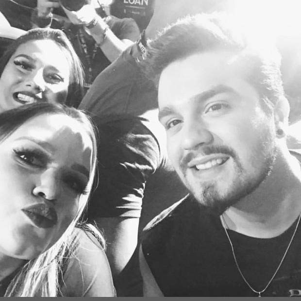 Luan Santana e fãs (Foto: Reprodução/Instagram)