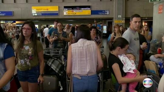 33% dos voos que saem de Guarulhos têm atrasos, no começo da tarde deste sábado (15)