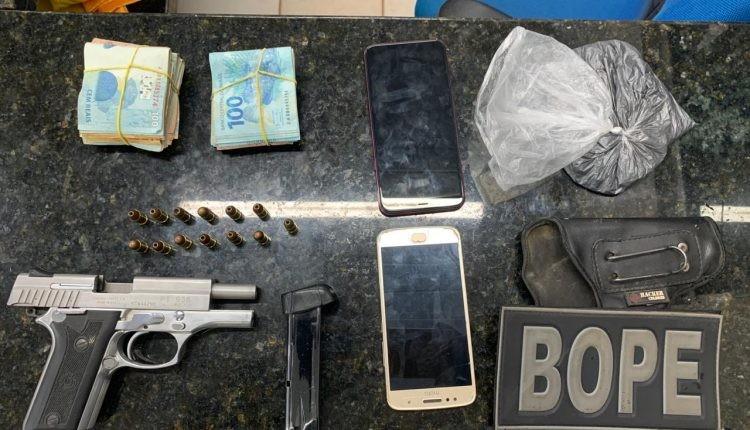Suspeito de vender armas é preso com pistola, munições e R$ 10 mil na cidade de Viana