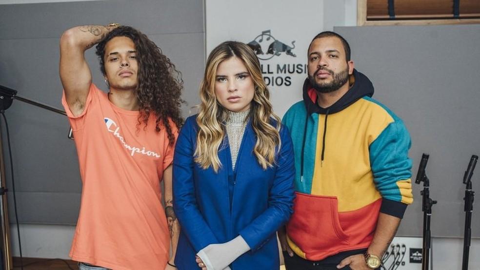 Vitão, Giulia Be e Projota; trio vai se apresentar em 5 de outubro no palco Sunset do Rock in Rio — Foto: Divulgação