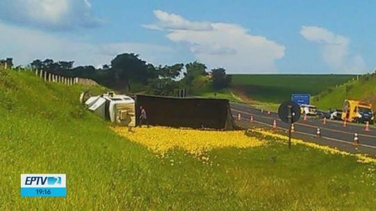 Acidente envolvendo carro e caminhão mata tenente da reserva da PM na Rodovia SP-255