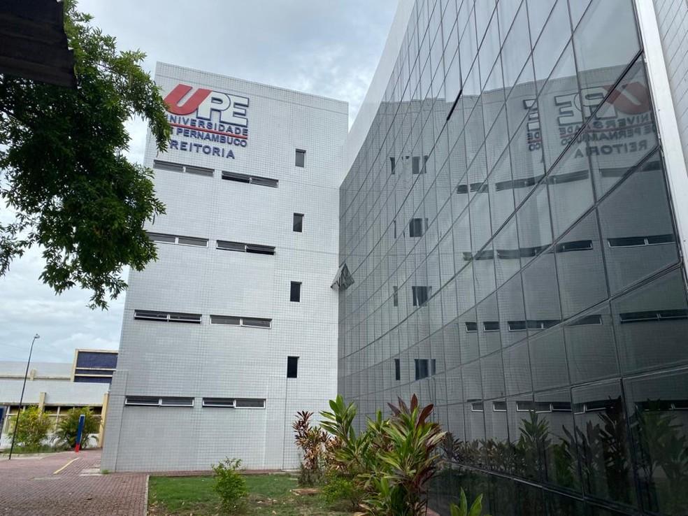 Reitoria da Universidade de Pernambuco (UPE) fica no bairro de Santo Amaro, no Centro do Recife — Foto: Pedro Alves/G1