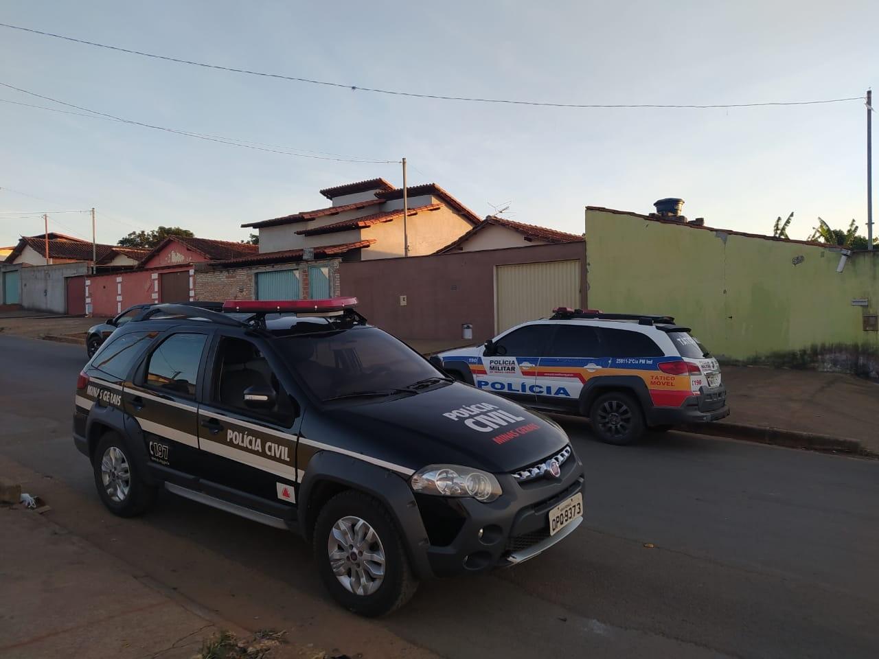 Polícia prende suspeitos de matar homem por disputa de tráfico de drogas, em Taiobeiras