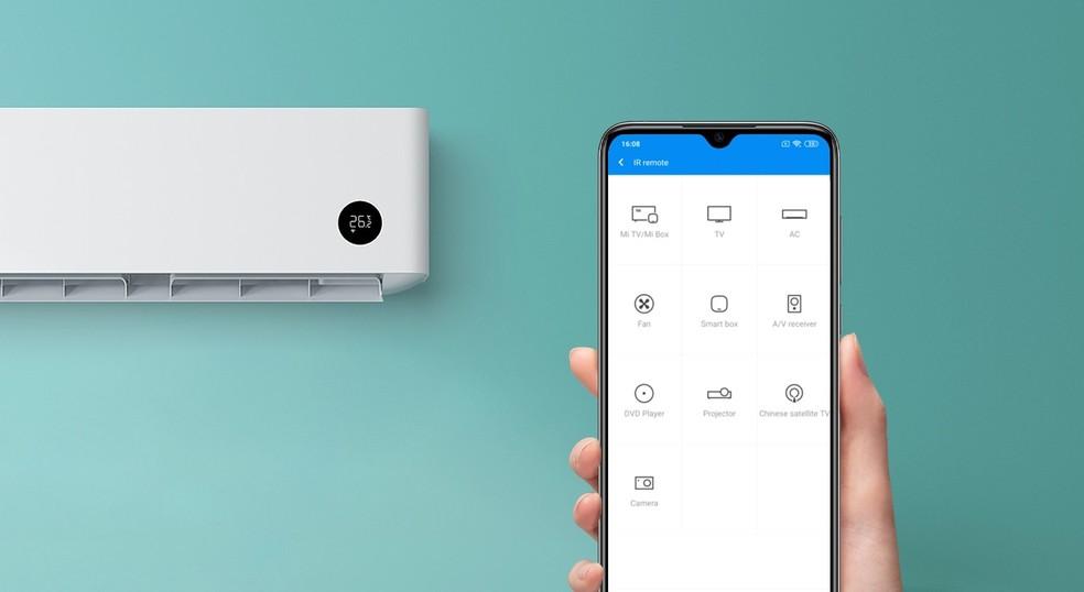 Sensor infravermelho do telefone pode controlar aparelhos à distância — Foto: Divulgação/Xiaomi