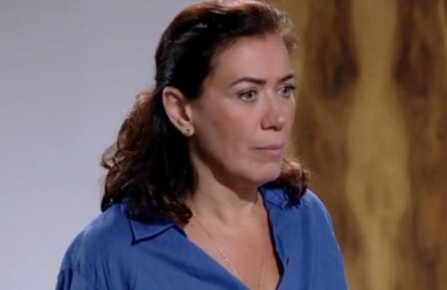 Na sexta (7), Grisekda (Lilia Cabral) vai flagrar um comparsa de Ferdinand (Carlos Machado) tentando matar Antenor no hospital e salvará a vida do filho (Foto: Reprodução)