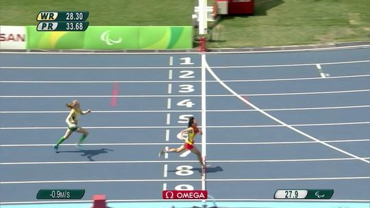 Zhou Xia é ouro nos 200m T35