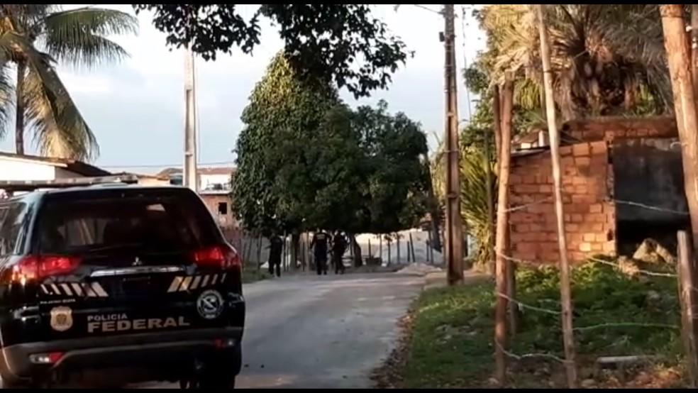 Operação da PF foi deflagrada para desarticular esquema de fraudes no INSS — Foto: Adriana Oliveira/TV Bahia