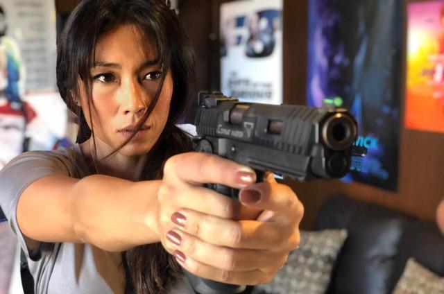 Danni Suzuki durante a sua preparação para a série 'Arcanjo renegado', do Globoplay (Foto: Arquivo pessoal)