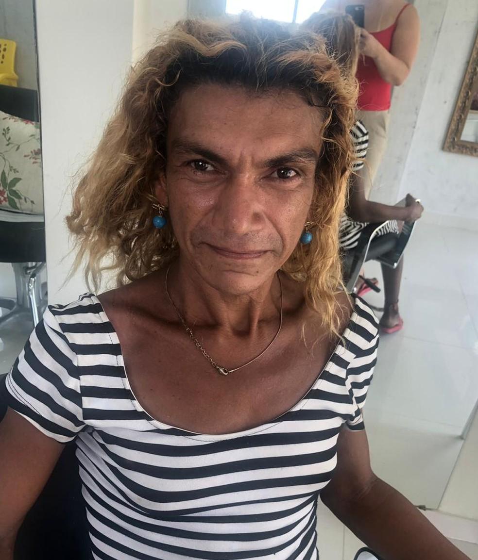 Ana Paula quando chegou ao salão de beleza — Foto: Arquivo pessoal