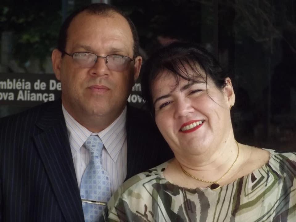 Pastor e mulher desaparecem durante viagem e são achados mortos em carro que pegou fogo após acidente em MT