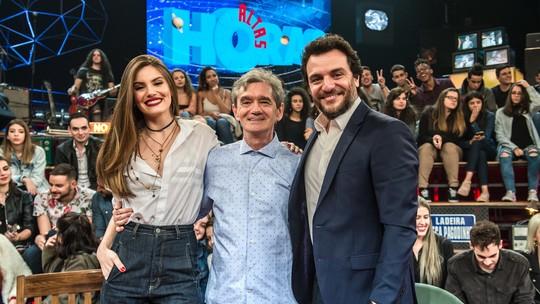 Camila Queiroz revela surpresa em  pedido de noivado: 'Estava tudo montadinho, eu acreditei'