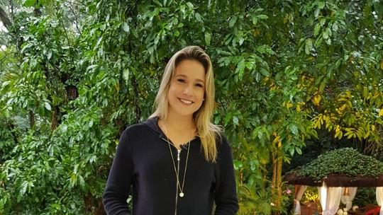 Fernanda Gentil encontra Ana Maria Braga e canta pagode na TV