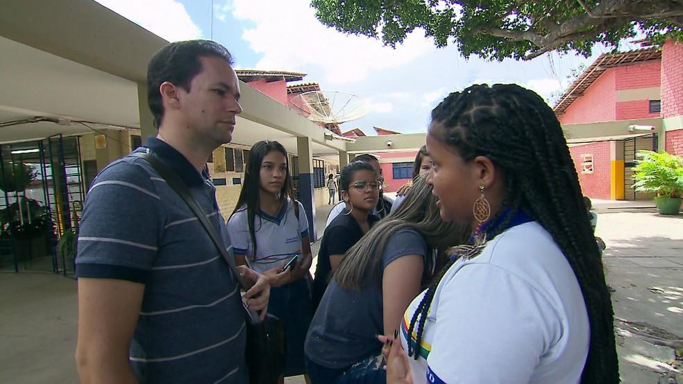 Eulália é uma das estudantes de Jayse Ferreira, em Itambé, Zona da Mata de Pernambuco — Foto: Reprodução/TV Globo