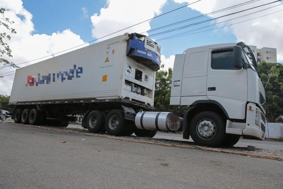 Droga avaliada em R$ 90 milhões foi achada misturada à carga de manga no Ceará — Foto: Isanelle Nascimento/SVM