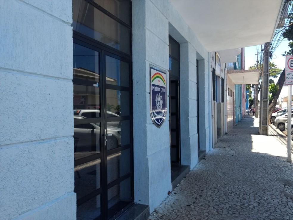 Sede do Departamento de Polícia da Mulher (DPMul), no Bairro do Recife, região central da capital (Foto: Pedro Alves/G1)