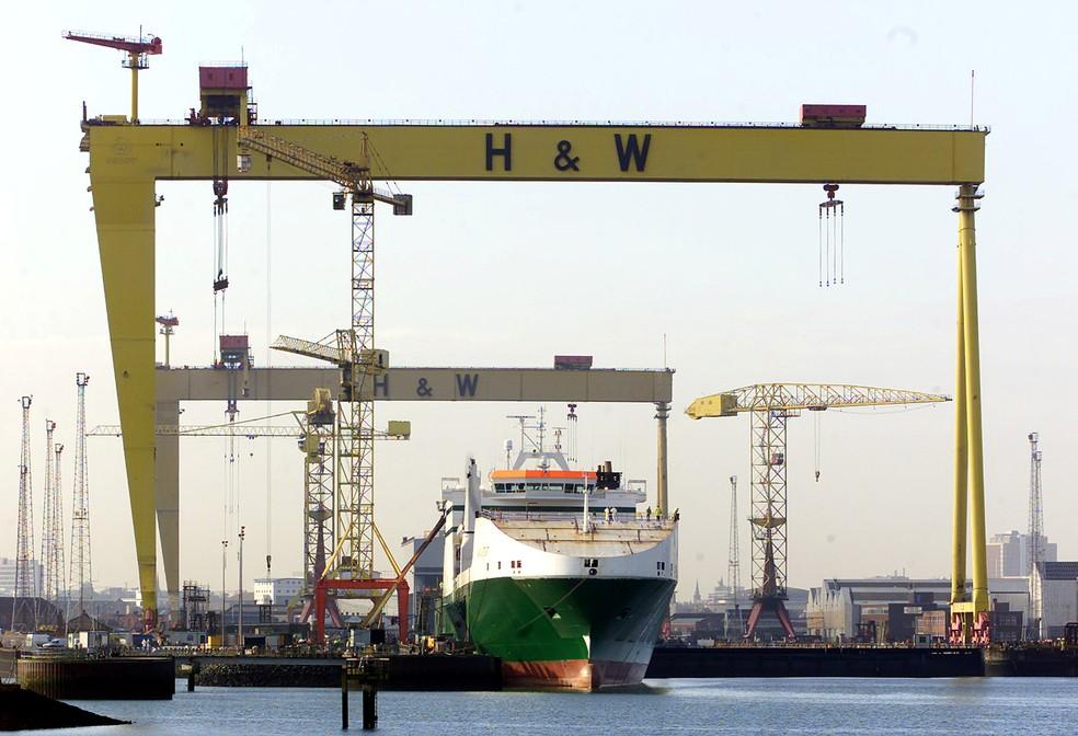 Estaleiro Harland e Wolff, em Belfast — Foto: Reuters