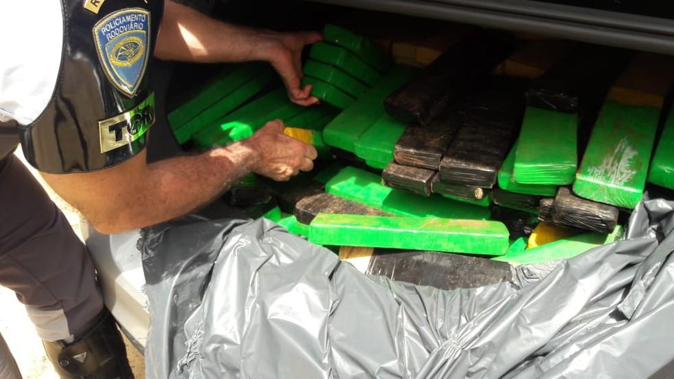 Drogas foram apreendidas em Parapuã — Foto: Polícia Militar Rodoviária