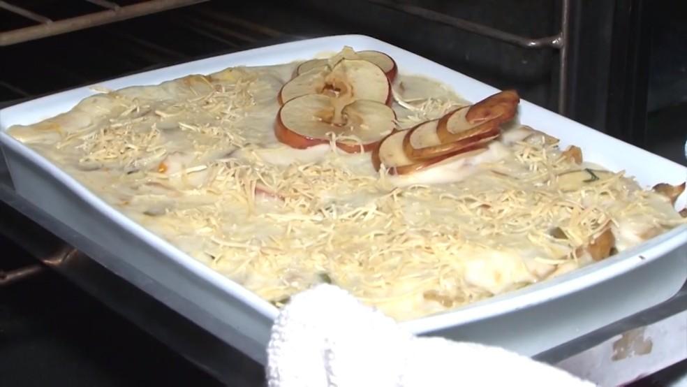 Receita de 'Bacalhau à francesa com maçã' é uma ótima sugestão para a semana santa. — Foto: Reprodução /TV Bahia