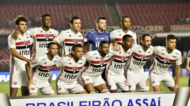 São Paulo que iniciou a partida contra o Inter