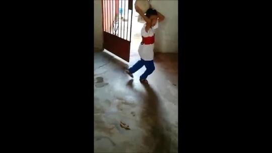 Cenas mágicas: pequeno torcedor ganha camisa do CRB e emociona Alagoas; vídeo