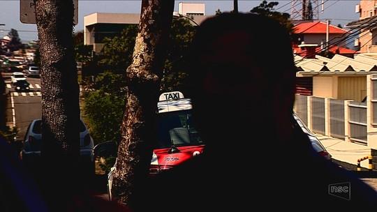 'A criança não estava desvairada em sangue', diz um dos taxistas que negou corrida à família
