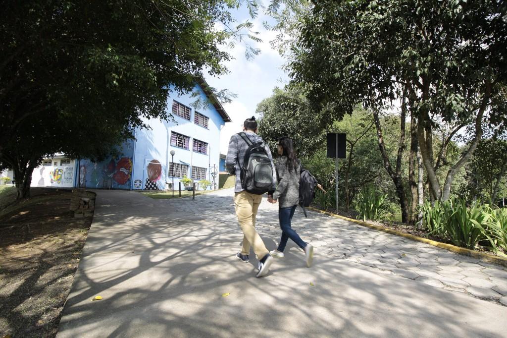 Udesc suspende rematrícula de alunos veteranos por causa de problema em sistema - Notícias - Plantão Diário