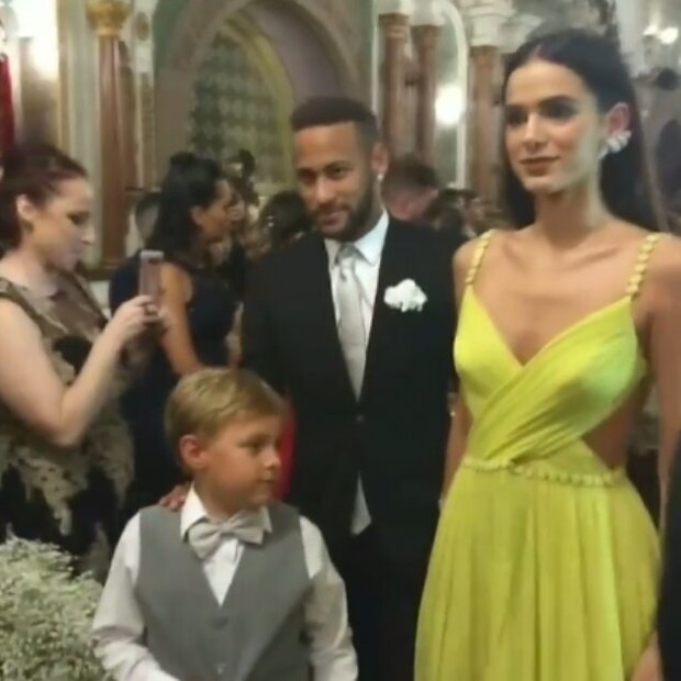 Neymar, Bruna e Davi Lucca no casamento de Leo (Foto: Reprodução Instagram)