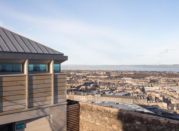 De todos os cantos, pode-se observar a paisagem histórica da cidade (Foto: Tom Nolan e Susie Lowe./ Reprodução)