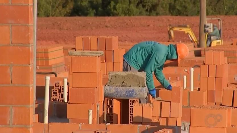 Número de trabalhadores na indústria de construção cai 33% no RN entre 2010 e 2019