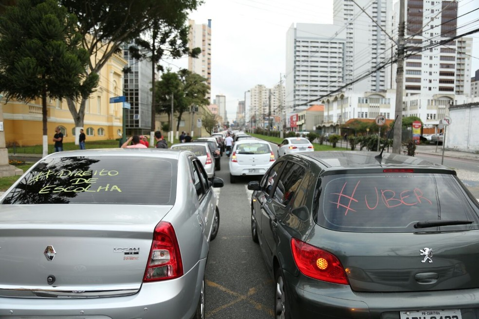 Protesto causou congestionamento em ruas da região central da cidade (Foto: Rodrigo Fonseca)