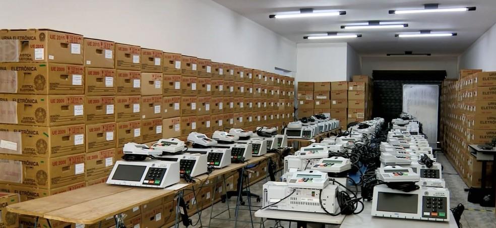 Urnas eletrônicas em Indaiatuba — Foto: Reprodução / EPTV
