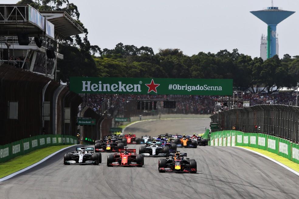 Largada do GP do Brasil de 2019, em Interlagos. Etapa ficou fora do calendário 2020 da F1 devido à pandemia — Foto: Getty Images