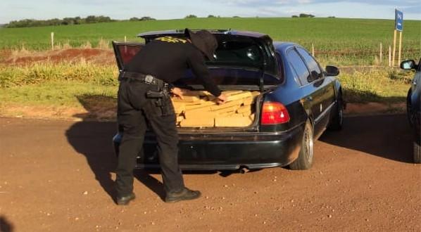 Homem é preso com mais de 300 kg de maconha dentro de veículo em MS