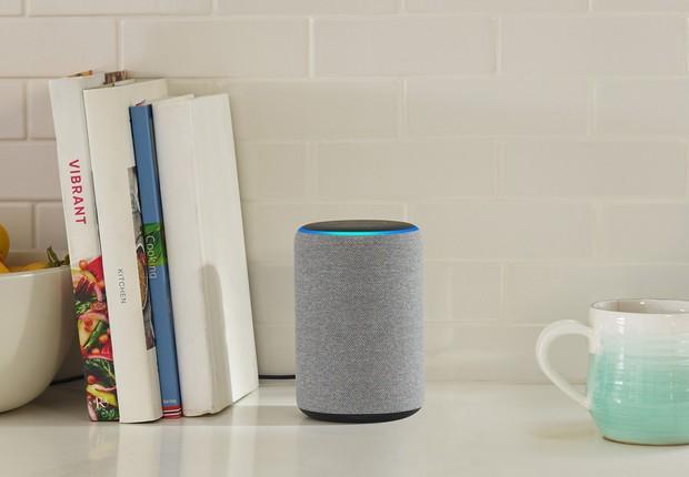 O alto-falante Echo, da Amazon, funciona com a Alexa como cérebro (Foto: Divulgação)