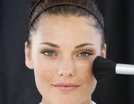 Blush: como criar um efeito natural e saudável para o rosto