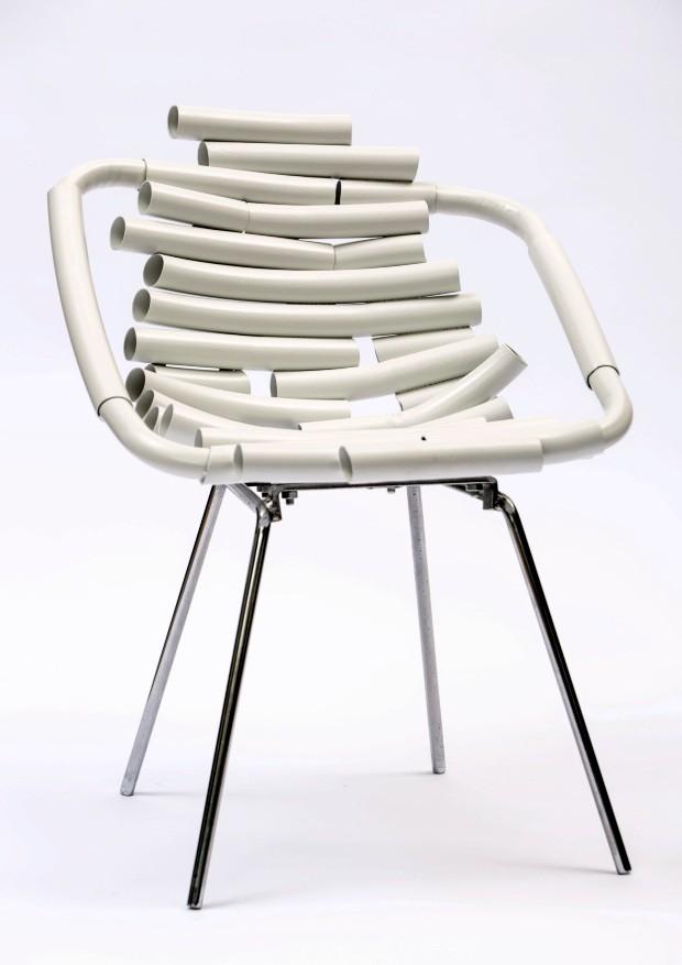 Marcelo Stefanovicz criou uma coleção de móveis com escombros do Centro Cultural de São Paulo (Foto: Ricardo Ishihama)